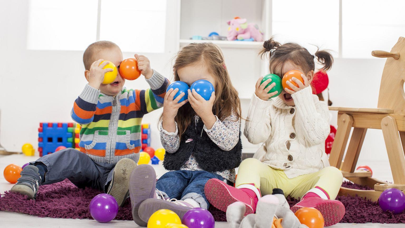 Prezenty dla dzieci do roku – lista inspiracji