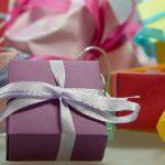 Nietypowy prezent – jak zaskoczyć bliskich?